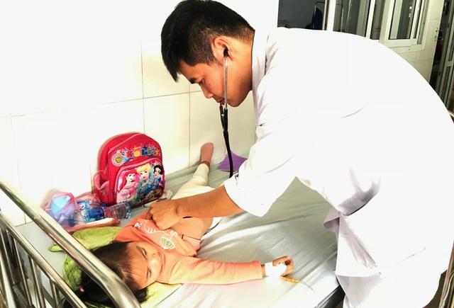 Công an xác minh vụ hơn 100 trẻ nhập viện nghi ngộ độc thực phẩm - 6