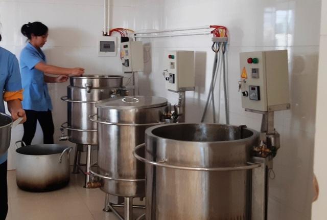 Công an xác minh vụ hơn 100 trẻ nhập viện nghi ngộ độc thực phẩm - 5