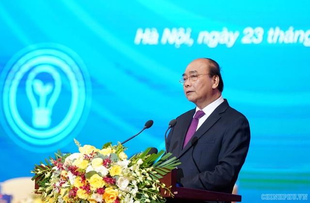 """Vì Việt Nam hùng cường: """"Đừng chỉ nhìn áo vest của doanh nhân, đằng sau đó là nước mắt"""" - 1"""