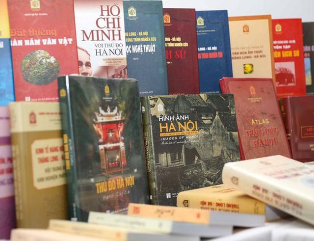"""""""Tủ sách Thăng Long ngàn năm văn hiến"""" đã hệ thống hoá 1000 năm lịch sử của Hà Nội - 3"""