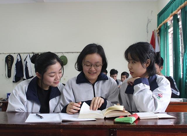 Nữ sinh Hà Tĩnh giành được học bổng 6 tỷ đồng từ ĐH Mỹ  - 2