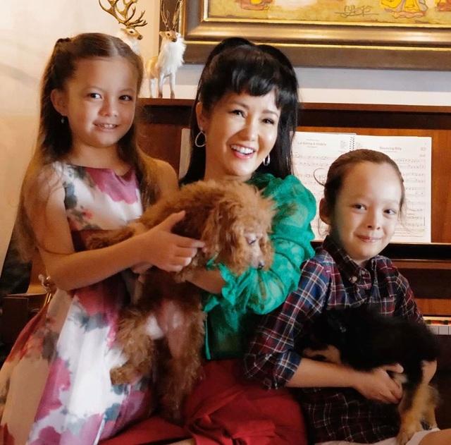 Diva Hồng Nhung xúc động mùa Noel hai con biết tự chăm nhau lúc mẹ bận - 2