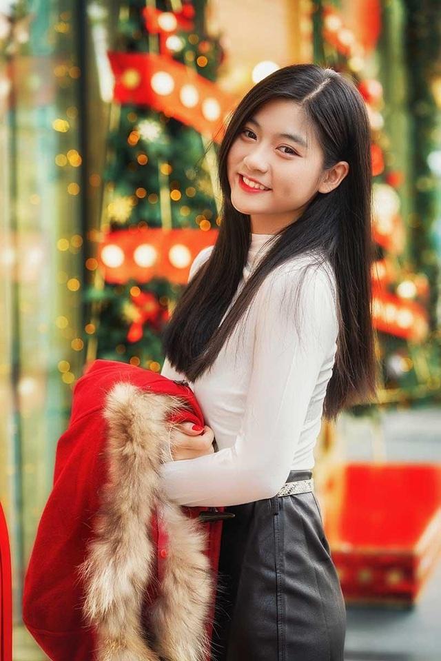 """Miss Teen Nam Phương: """"Hạnh phúc là Giáng sinh được ở bên gia đình"""" - 5"""