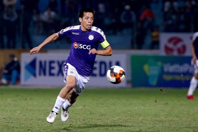 Văn Quyết gia hạn hợp đồng 3 năm với CLB Hà Nội - 1