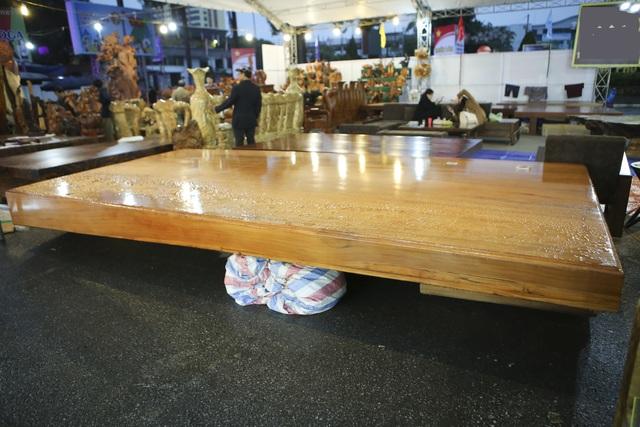Chiêm ngưỡng những chiếc phản làm bằng gỗ cẩm giá hơn 2 tỷ đồng - 9