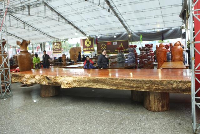 Chiêm ngưỡng những chiếc phản làm bằng gỗ cẩm giá hơn 2 tỷ đồng - 7