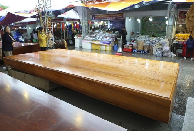 Chiêm ngưỡng những chiếc phản làm bằng gỗ cẩm giá hơn 2 tỷ đồng - 11