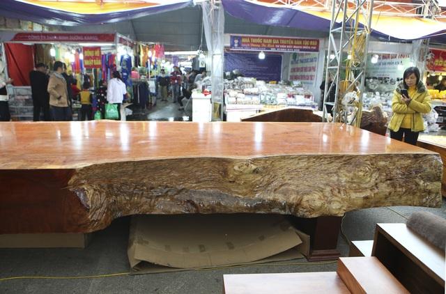 Chiêm ngưỡng những chiếc phản làm bằng gỗ cẩm giá hơn 2 tỷ đồng - 4