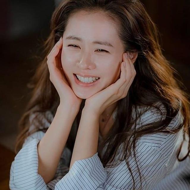 Chị đẹp Son Ye Jin nói gì khi được kết đôi lần hai với trai đẹp Hyun Bin? - 4