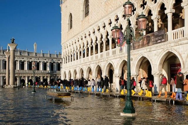 """Venice """"thất thủ"""" dịp Giáng sinh vì ngập nặng - 6"""