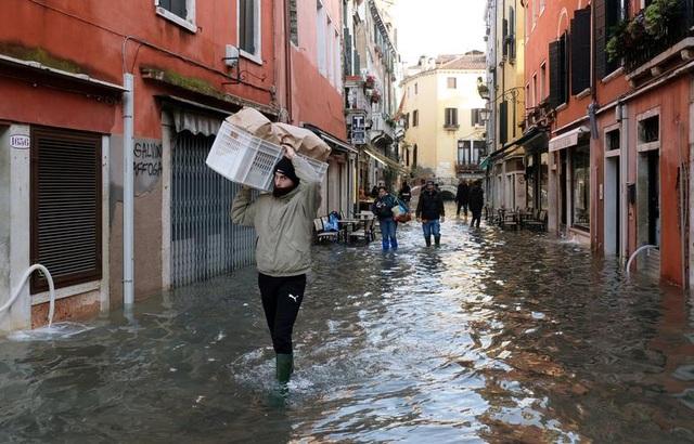 """Venice """"thất thủ"""" dịp Giáng sinh vì ngập nặng - 7"""