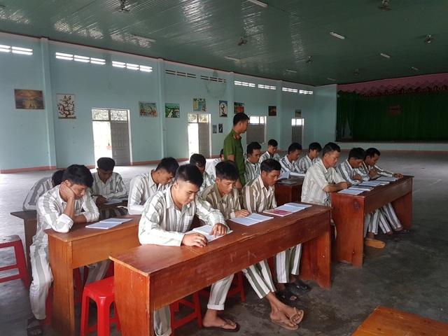 Lớp học xóa mù đặc biệt trên vùng cao - 1