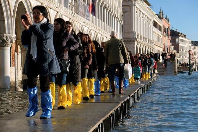 """Venice """"thất thủ"""" dịp Giáng sinh vì ngập nặng - 4"""