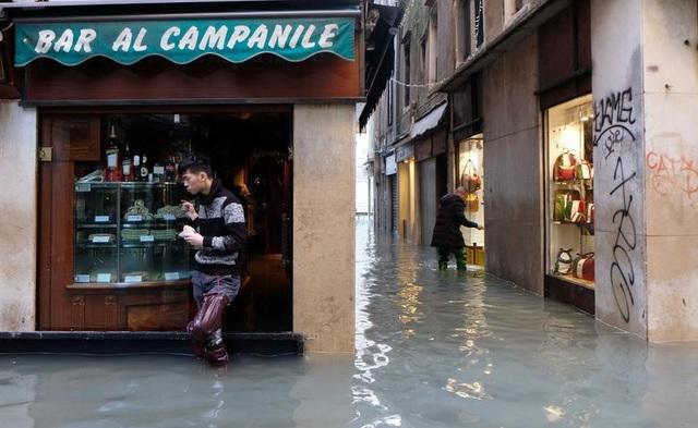 """Venice """"thất thủ"""" dịp Giáng sinh vì ngập nặng - 12"""