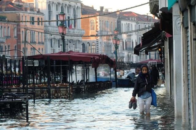 """Venice """"thất thủ"""" dịp Giáng sinh vì ngập nặng - 9"""