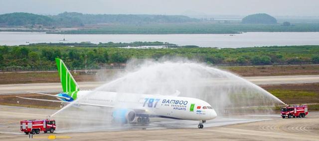 Phó Chủ tịch Quốc Hội phát biểu biểu dương Bamboo Airways tại Lễ đón máy bay thân rộng Boeing 787-9 Dreamliner - 1