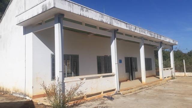 Điểm trường xây hơn 1 tỷ đồng vừa học được năm đã bị bỏ hoang - 1