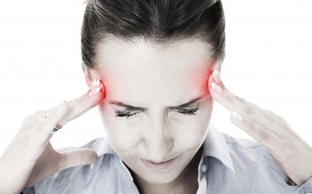 Tạo sao nên sử dụng Bách Thống Vương trong trường hợp bị đau đầu kinh niên? - 1