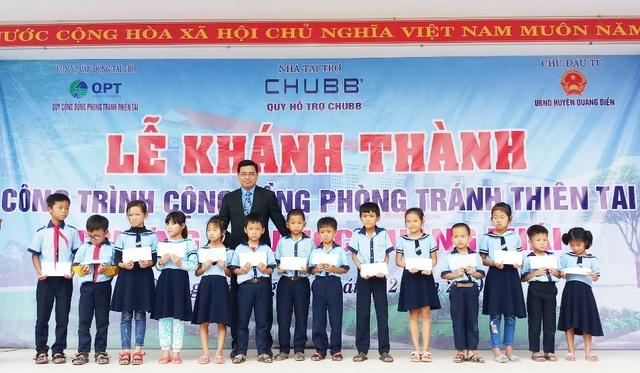 Niềm vui trường mới của trẻ em vùng rốn lũ - 3
