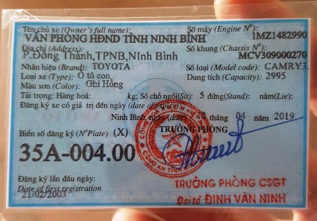 Cấp biển số mới cho chiếc xe Camry mang 2 biển xanh chở lãnh đạo Ninh Bình - 4