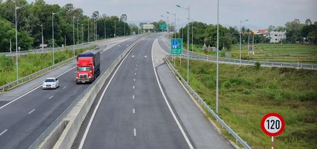 """Sắp thu phí tuyến cao tốc """"tai tiếng"""" Đà Nẵng - Quảng Ngãi - 1"""