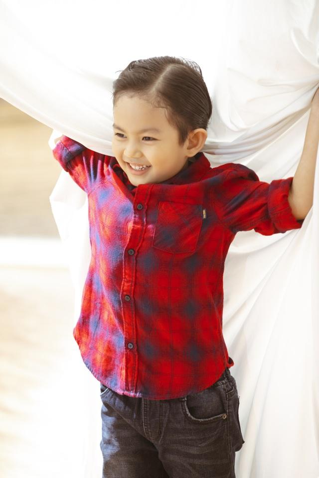 Khánh Thi - Phan Hiển bù đắp Giáng sinh cho con sau mùa SEA Games xa biền biệt - 9