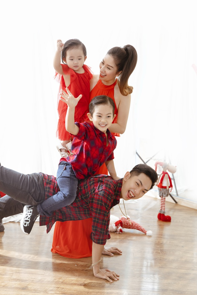 Khánh Thi - Phan Hiển bù đắp Giáng sinh cho con sau mùa SEA Games xa biền biệt - 10