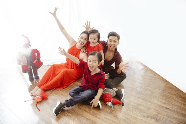 Khánh Thi - Phan Hiển bù đắp Giáng sinh cho con sau mùa SEA Games xa biền biệt - 13