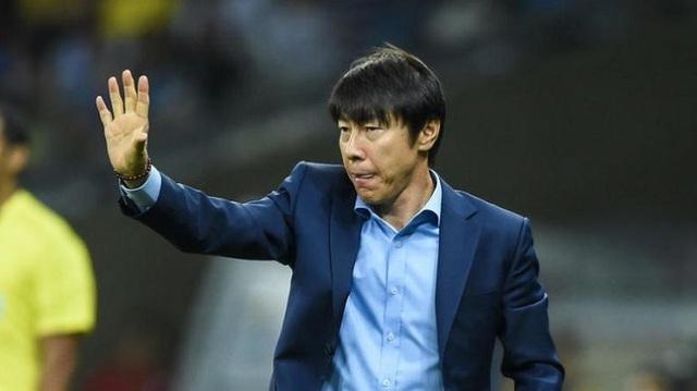 """Tân """"thuyền trưởng"""" đội tuyển Indonesia nhận lương ngang HLV Park Hang Seo"""