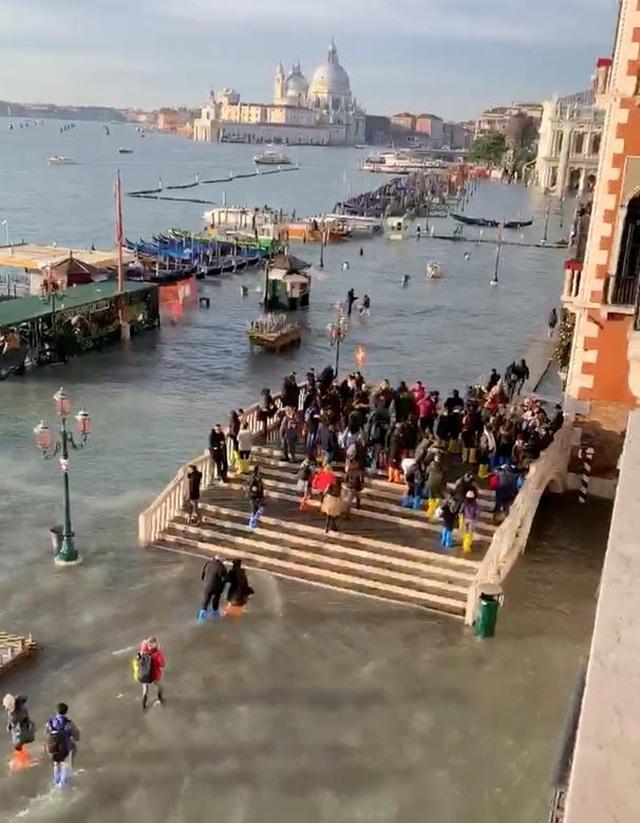 """Venice """"thất thủ"""" dịp Giáng sinh vì ngập nặng - 14"""