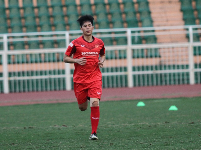 Đình Trọng hồi phục chấn thương, HLV Park Hang Seo yên tâm với hàng thủ - 1