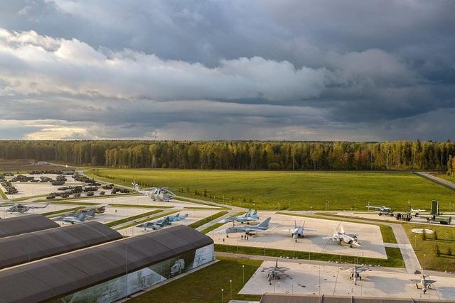Choáng ngợp dàn khí tài quân sự khủng trong công viên Ái quốc của Nga - 4