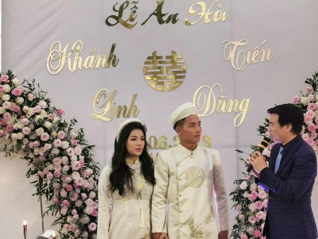Hai đám hỏi gây bất ngờ trong giới cầu thủ Việt năm 2019 - 1