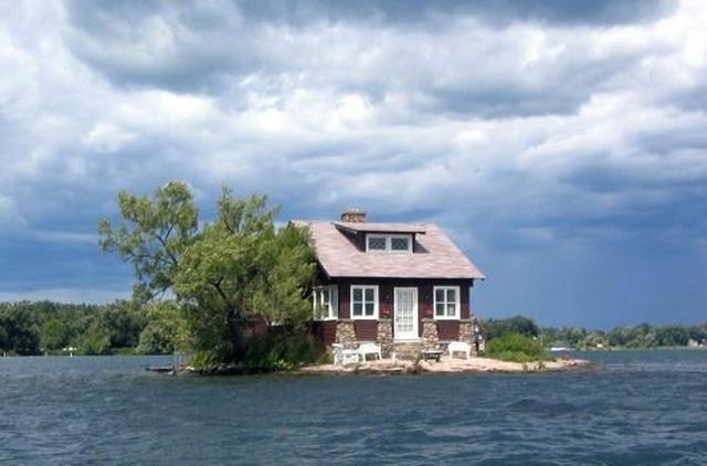 Hòn đảo nhỏ nhất thế giới có người ở - 1