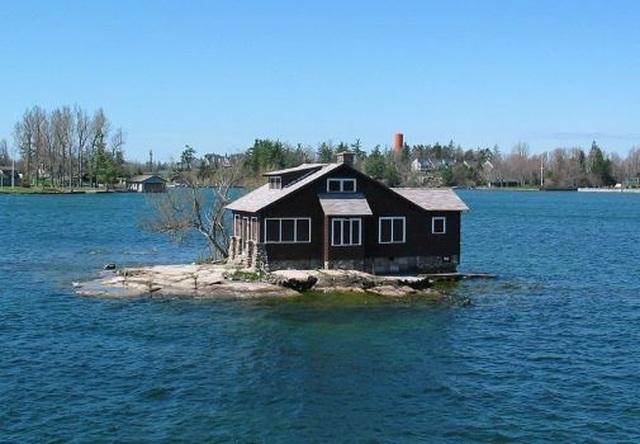 Hòn đảo nhỏ nhất thế giới có người ở - 2