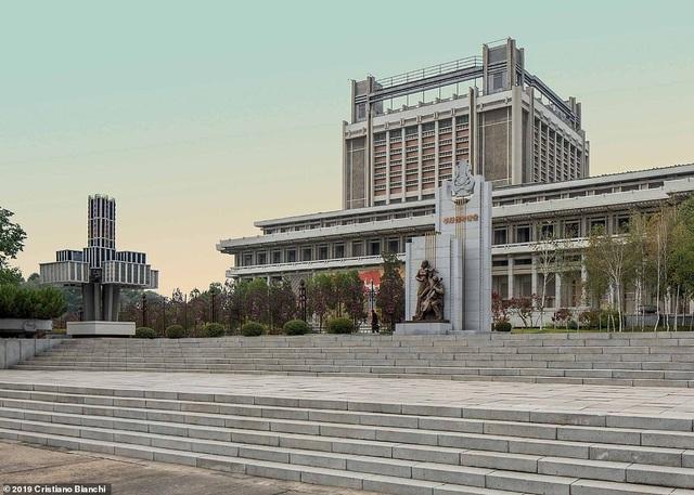 Kinh ngạc vẻ đẹp hoành tráng của các công trình kiến trúc ở Bình Nhưỡng - 1