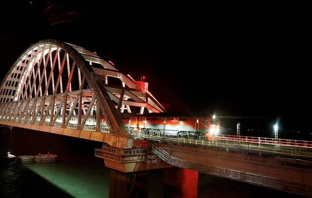 Nga khai trương tuyến đường sắt mới đến Crimea, Ukraine vào cuộc điều tra - 2