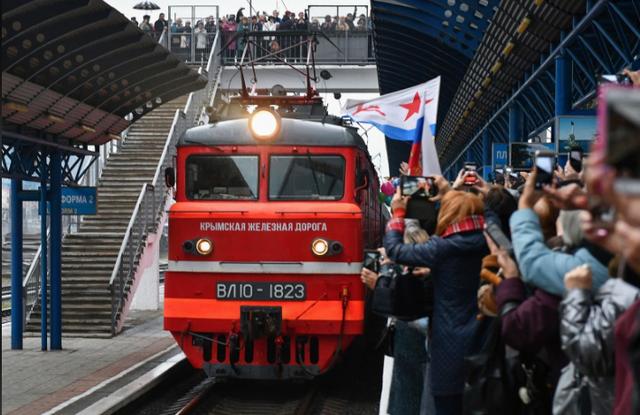 Nga khai trương tuyến đường sắt mới đến Crimea, Ukraine vào cuộc điều tra - 1