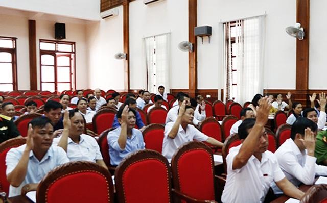 Hà Tĩnh: Nghỉ việc sớm, nhiều cán bộ và công chức xã nhận hơn 500 triệu đồng - 2