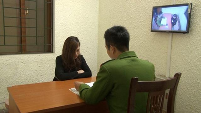 """Hà Nội: Hot girl điều hành đường dây mại dâm """"tàu nhanh"""" 5 triệu đồng/lượt - 1"""