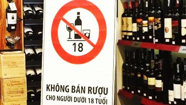 Từ 1/1/2020, chỉ người đi bộ mới được uống rượu bia trước khi ra đường - 2