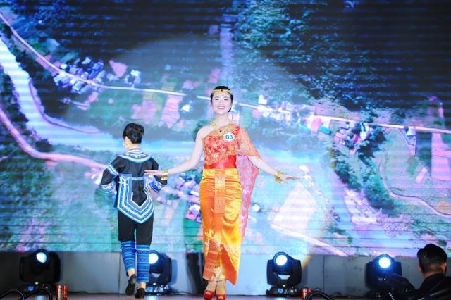 Độc đáo cuộc thi hoa khôi hội tụ trang phục truyền thống các dân tộc thiểu số - 4