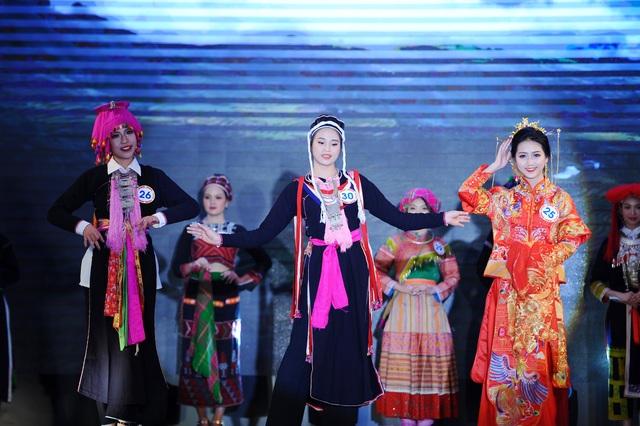 Độc đáo cuộc thi hoa khôi hội tụ trang phục truyền thống các dân tộc thiểu số - 1