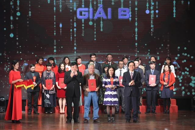 """Bộ sách của cố GS Phan Huy Lê được trao giải A """"Sách Quốc gia lần 2"""" - 2"""