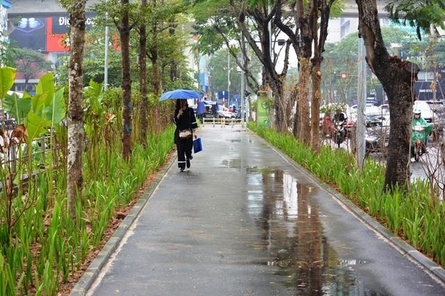 Hà Nội: Nhiều tuyến phố được cải tạo, chỉnh trang, nâng cấp - 1