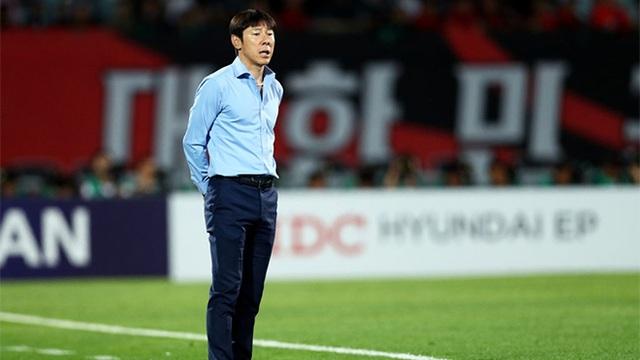 Tân thuyền trưởng tuyển Indonesia tuyên bố không muốn thua HLV Park Hang Seo - 1