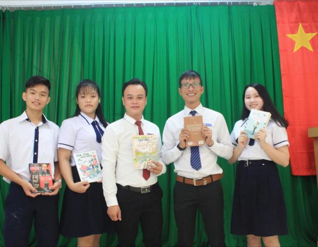 """Thầy giáo Sài Gòn ra một loạt """"bài tập"""" Tết cho học trò - 1"""