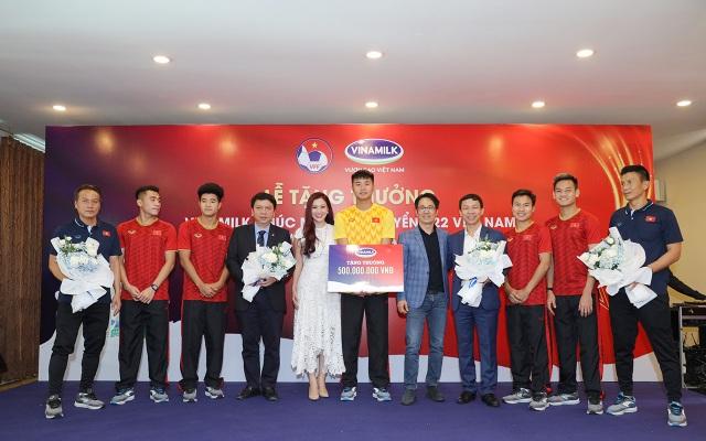 U23 Việt Nam nhận thưởng sau thành tích vô địch SEA Games 30 - 1