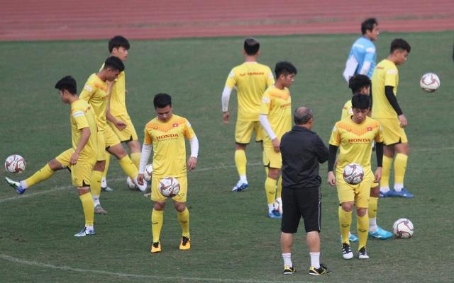 HLV Park Hang Seo có mạo hiểm với hàng thủ U23 Việt Nam? - 2