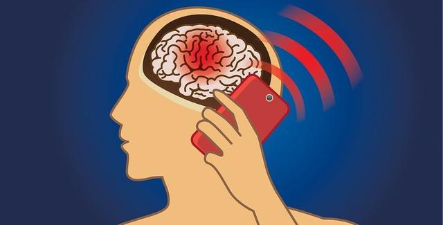 Trẻ đối mặt với nguy cơ u não cao gấp 5 lần do nghiện smartphone - 1